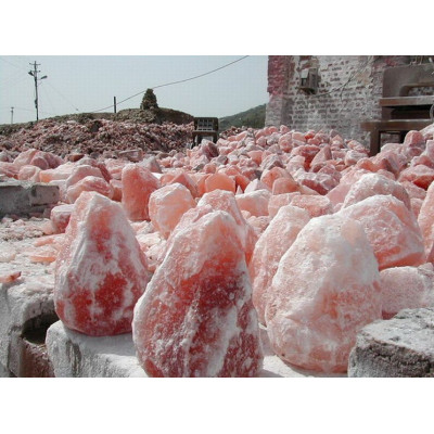 """Очень часто люди спрашивают: """"А чем гималайская соль, из которой сделаны солевые лампы, отличается от обычной?"""""""